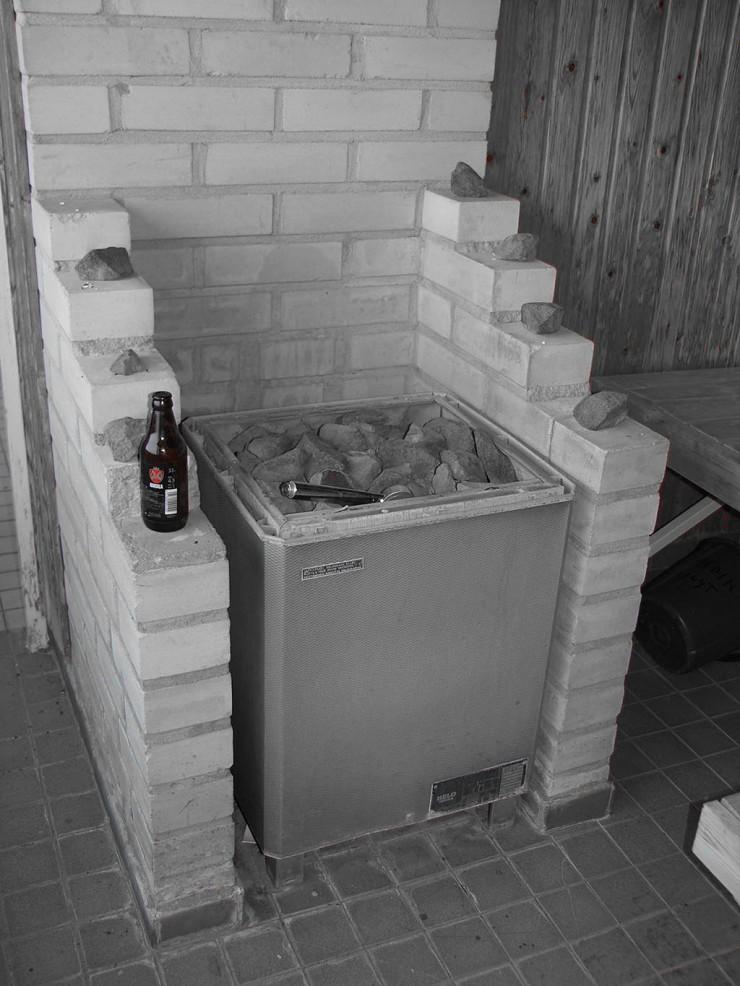 Silloin nautittiin sauna kuumana ja oluset kylmänä. Vaan ei ollut enää kiuas lämmin, ja kaljatkin oli juotu.