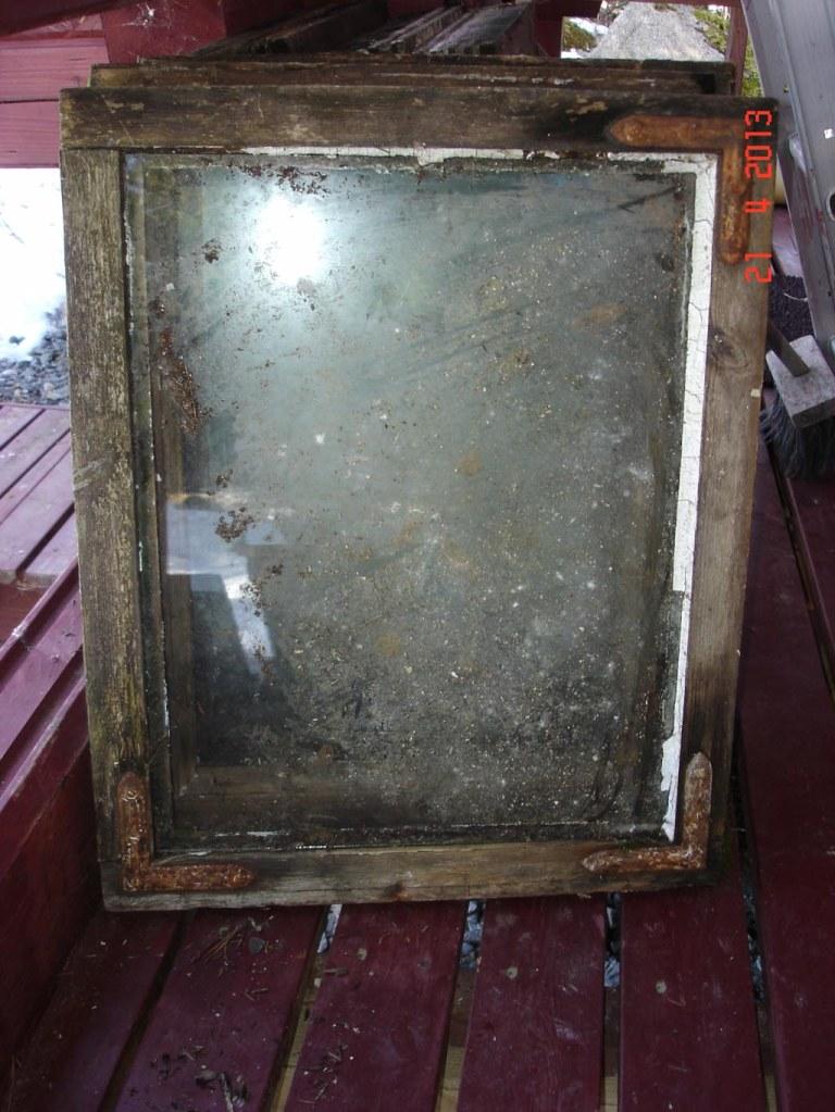 Ikkunat olivat ennen käsittelyä tämän näköisiä.