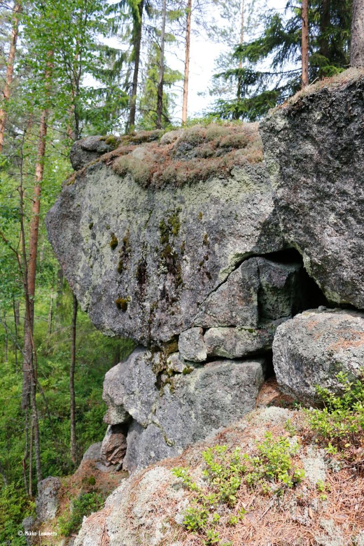 Kalliota tämäkin (mikä näitä kuvatekstejä oikein vaivaa!)