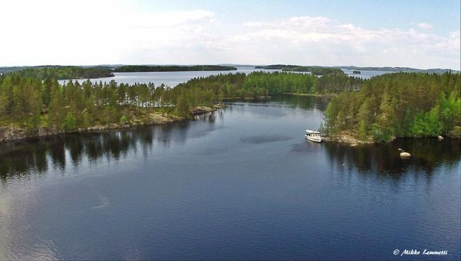 Myllykoski I veti ennen tukkilauttoja – nyt se kyyditsee risteilyväkeä upeissa järvimaisemissa Konnevedellä ja Rautalammilla